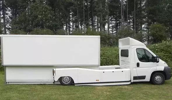 液压尾板能顶俩装卸工,国外无尾板装卸货车已经诞生了!